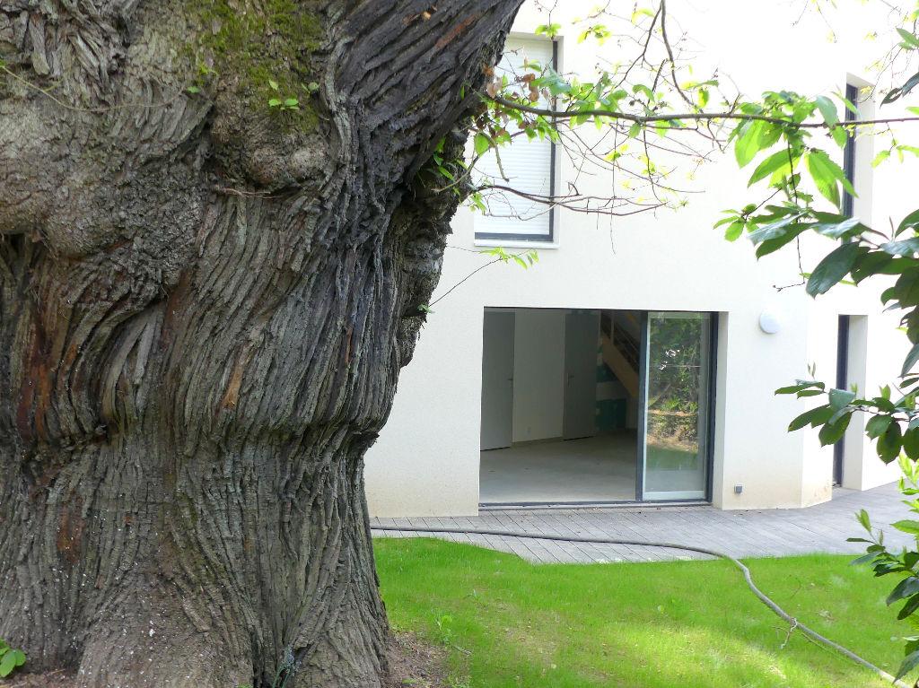 Duplex  T3 72 m2 avec jardin Nantes