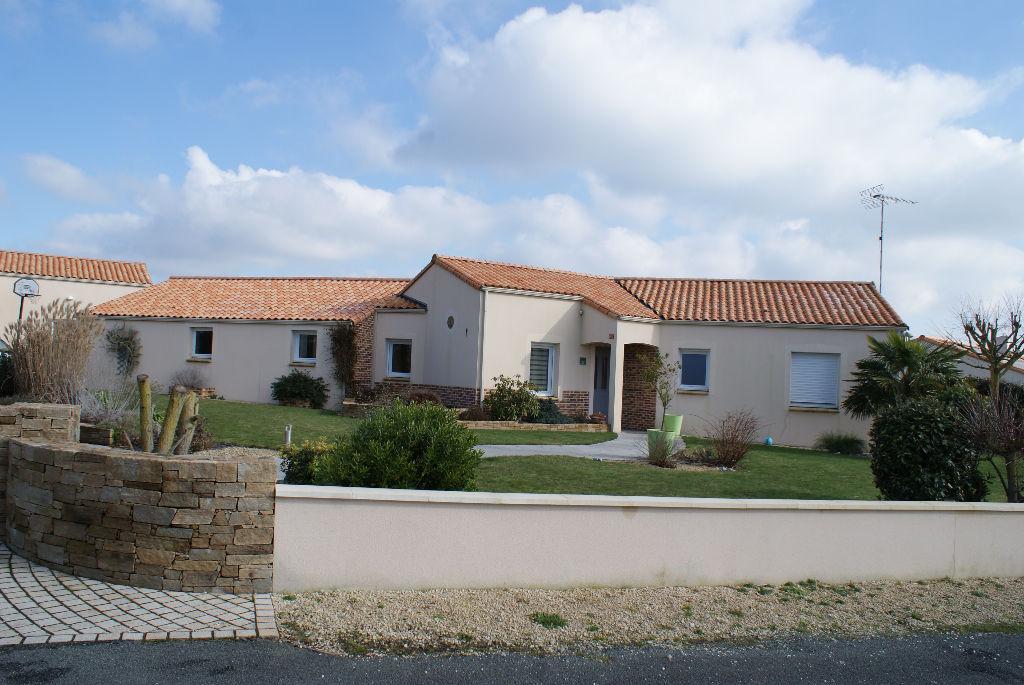 Maison - 10 piece(s) - 190 m2