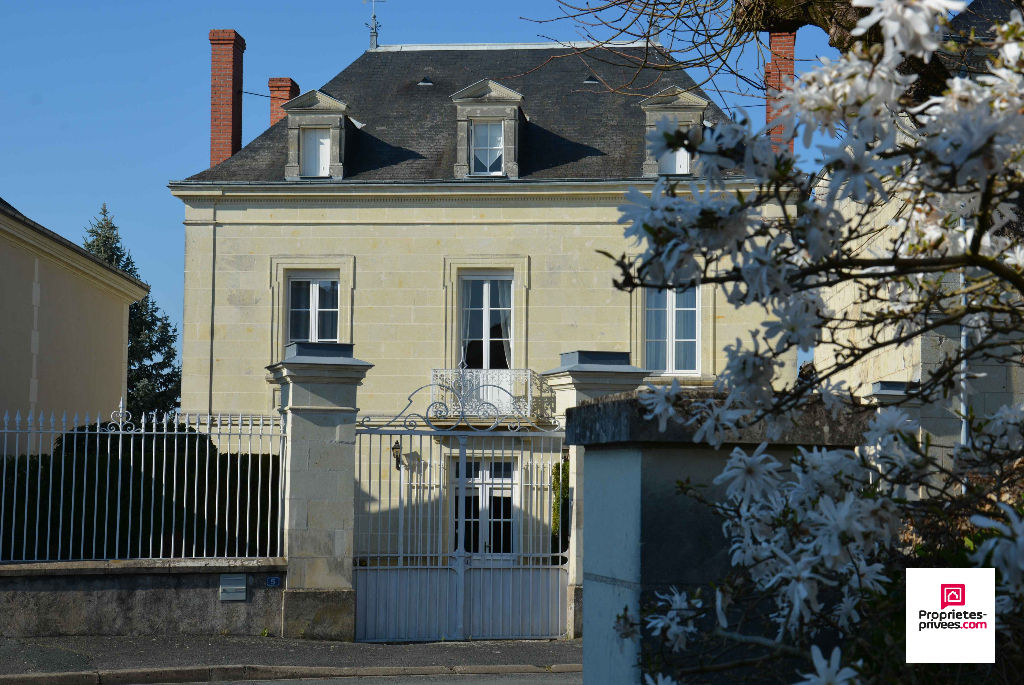 Maison Bourgeoise Avoine 10 pièce(s) 275 m2