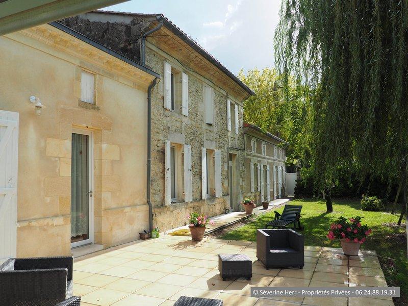 Girondine 6 chambres 2.250m² terrain, St Christoly
