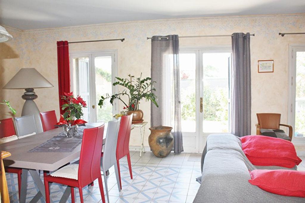 vente maison 164 m montbazin 34560. Black Bedroom Furniture Sets. Home Design Ideas
