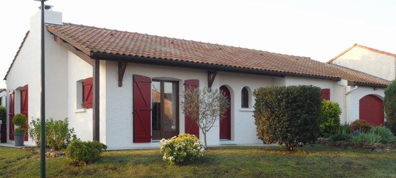 Maison de plain pied  bourg de St Viaud