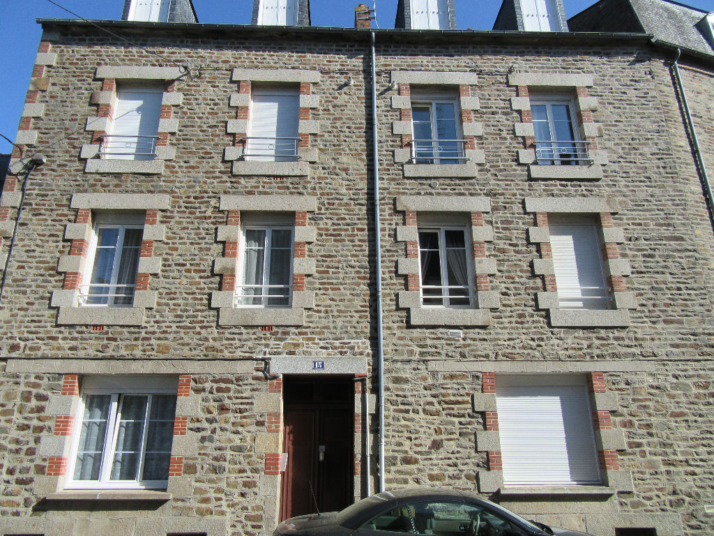 Immeuble Fougeres 353 m2