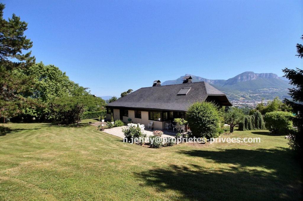 Villa d architecte 276 m² 73000 CHAMBERY