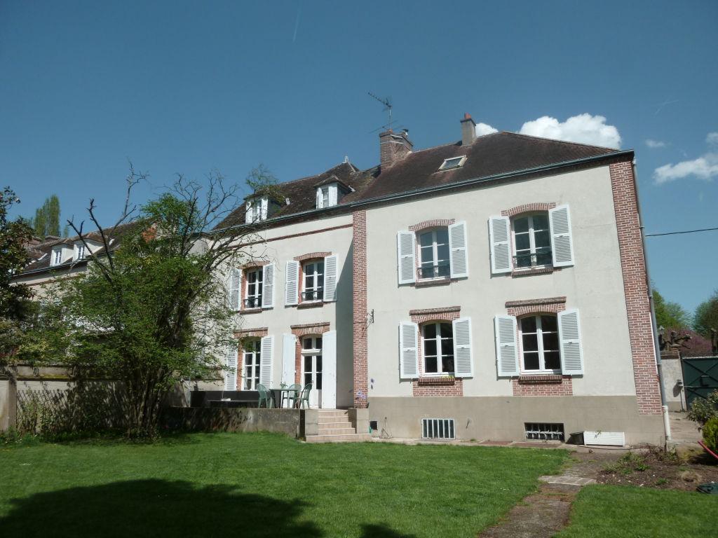 Maison Dreux 10 pièce(s) 231 m2 - 7 chambres - Garage - 700 m² de terrain - 592 743  HAI