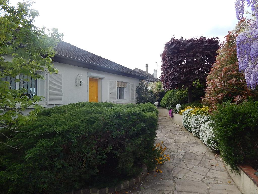Maison Paron 4 pièce(s) 114 m2