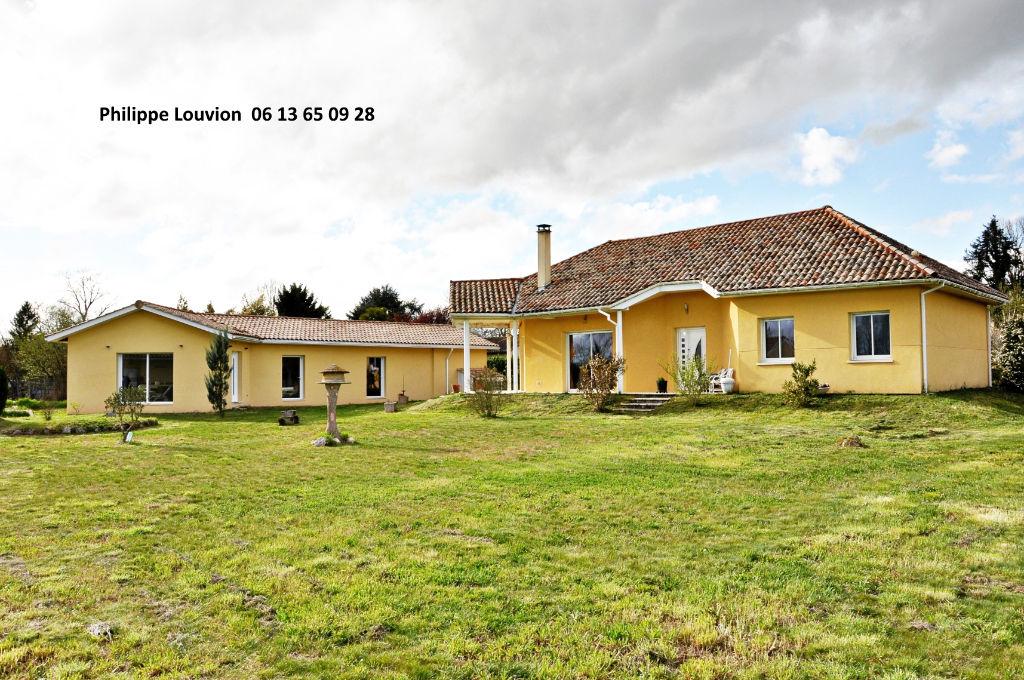 Maison Monsegur 11 pièce(s) 330 m2