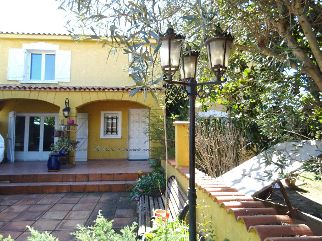 Villa, Lattes