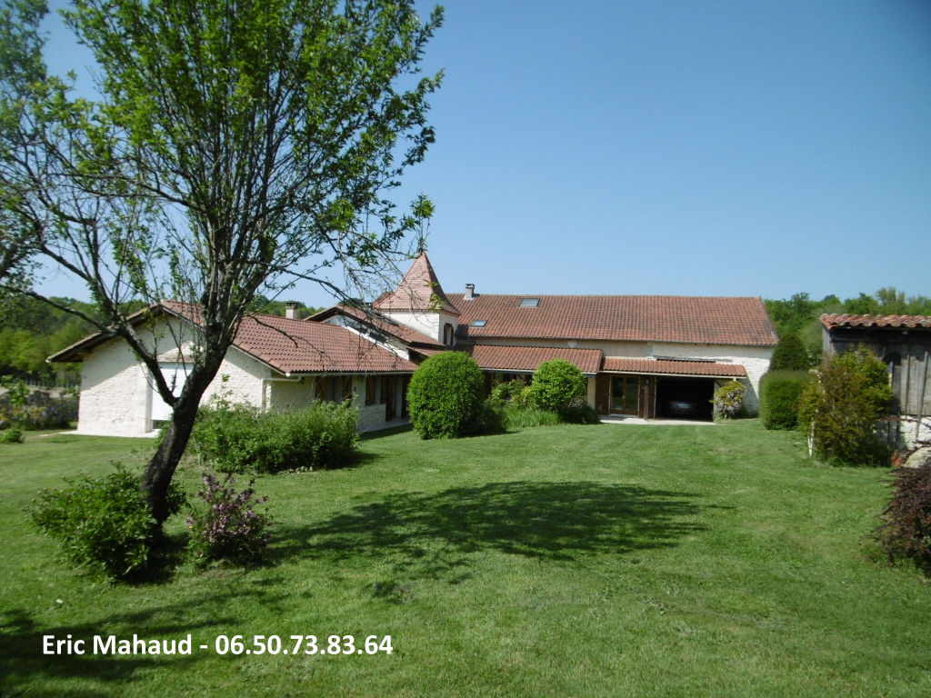 Maison proche Perigueux 10 pièce(s) 315 m2