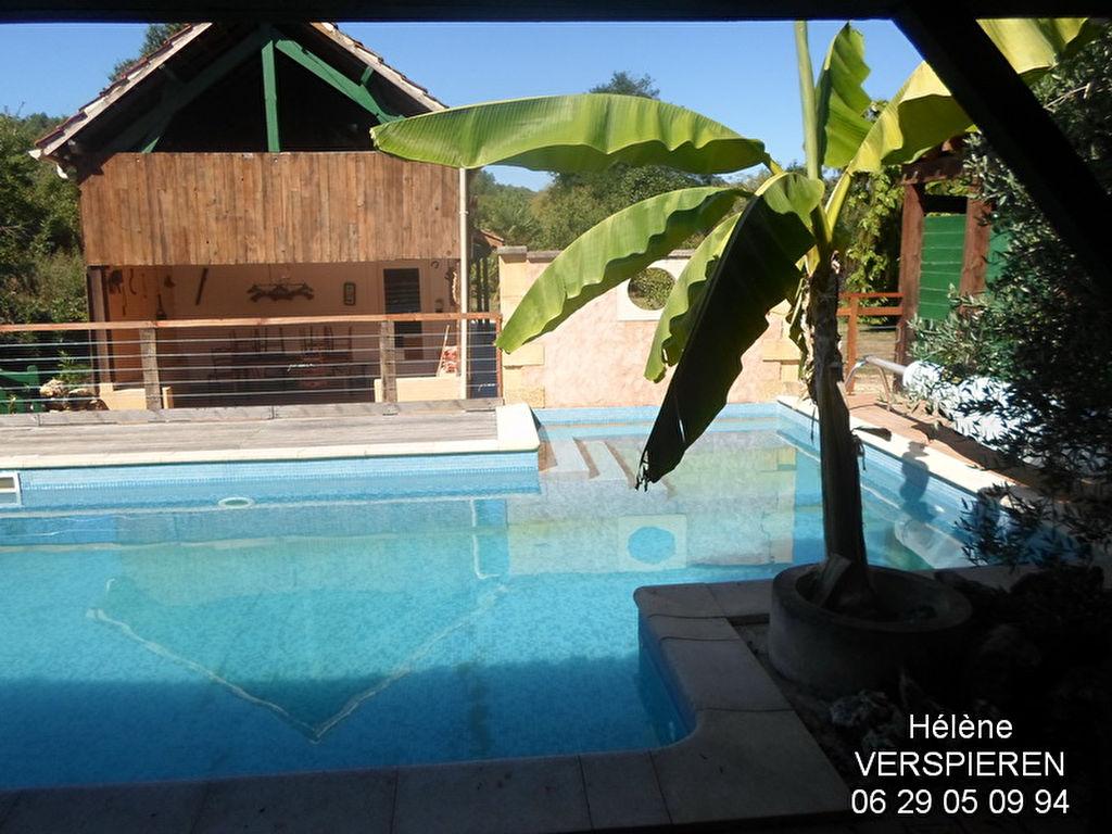 Maison  piscine 4 chambres 2053 m2 de terrain