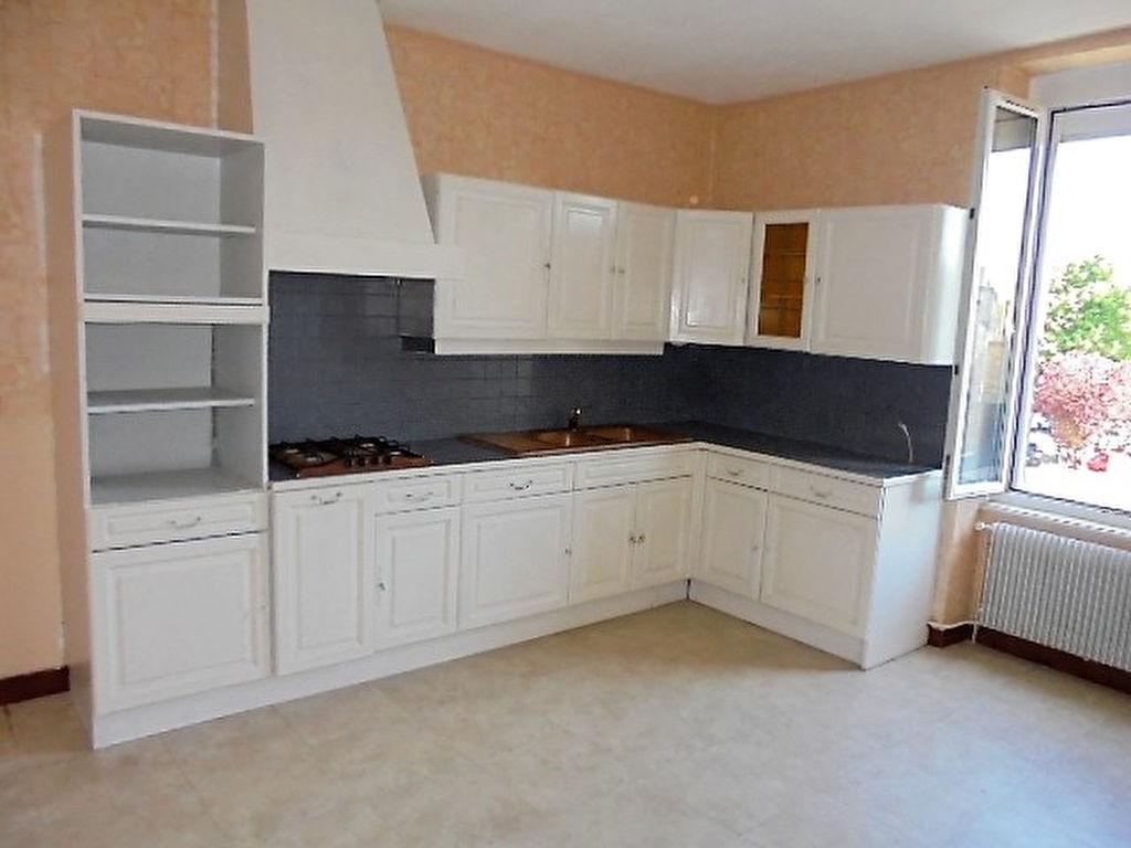 Appartement Fougeres 4 pièce(s) 100 m2