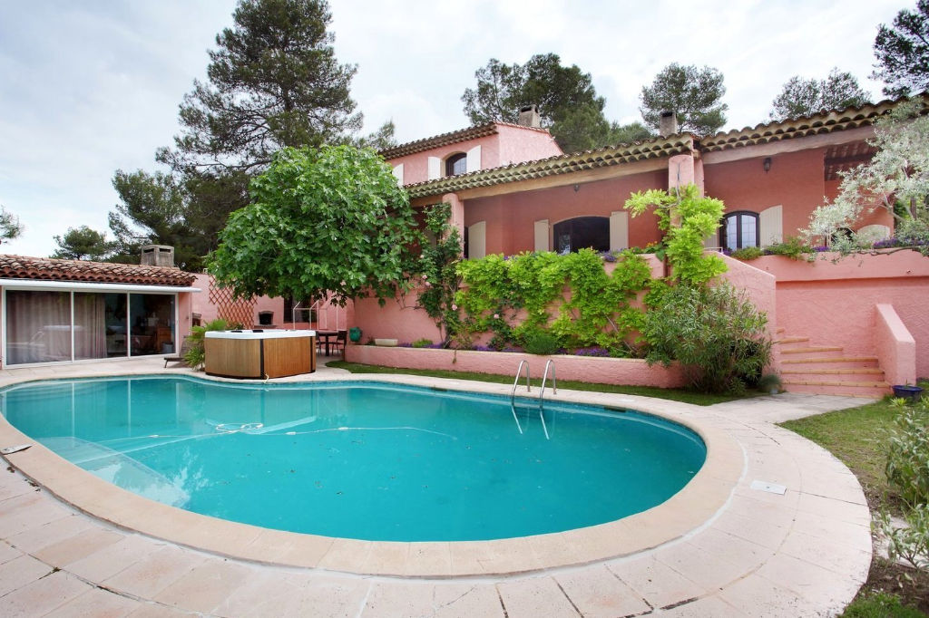 Superbe villa T5 piscine