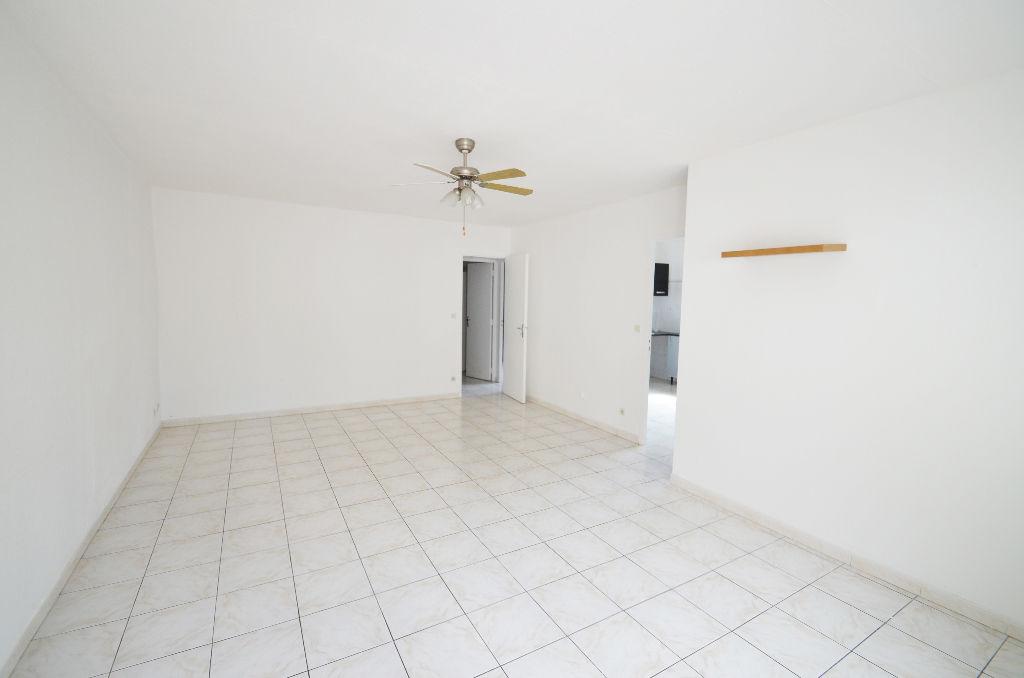 Maison Saint-drezery 8 pièce(s) 145 m2