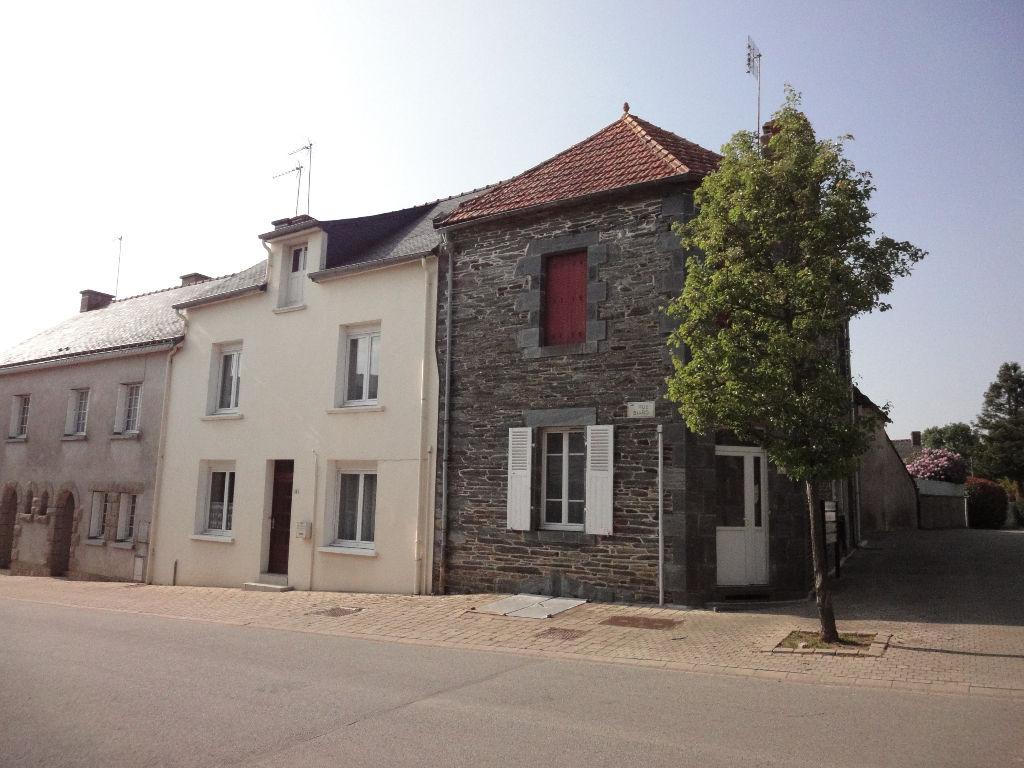Maison en pierres, centre bourg