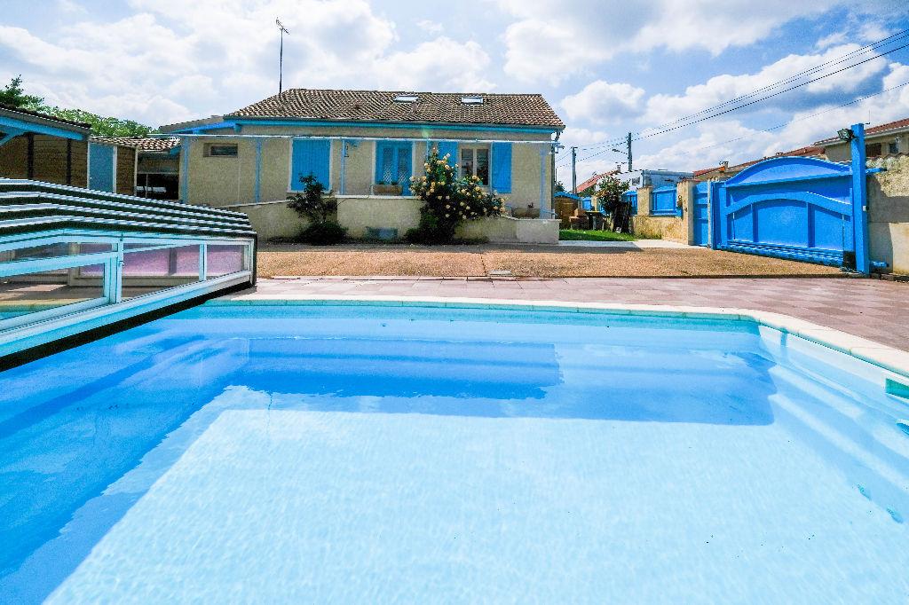 Maison avec Piscine Vaulx En Velin 5 pièce(s) 130 m2