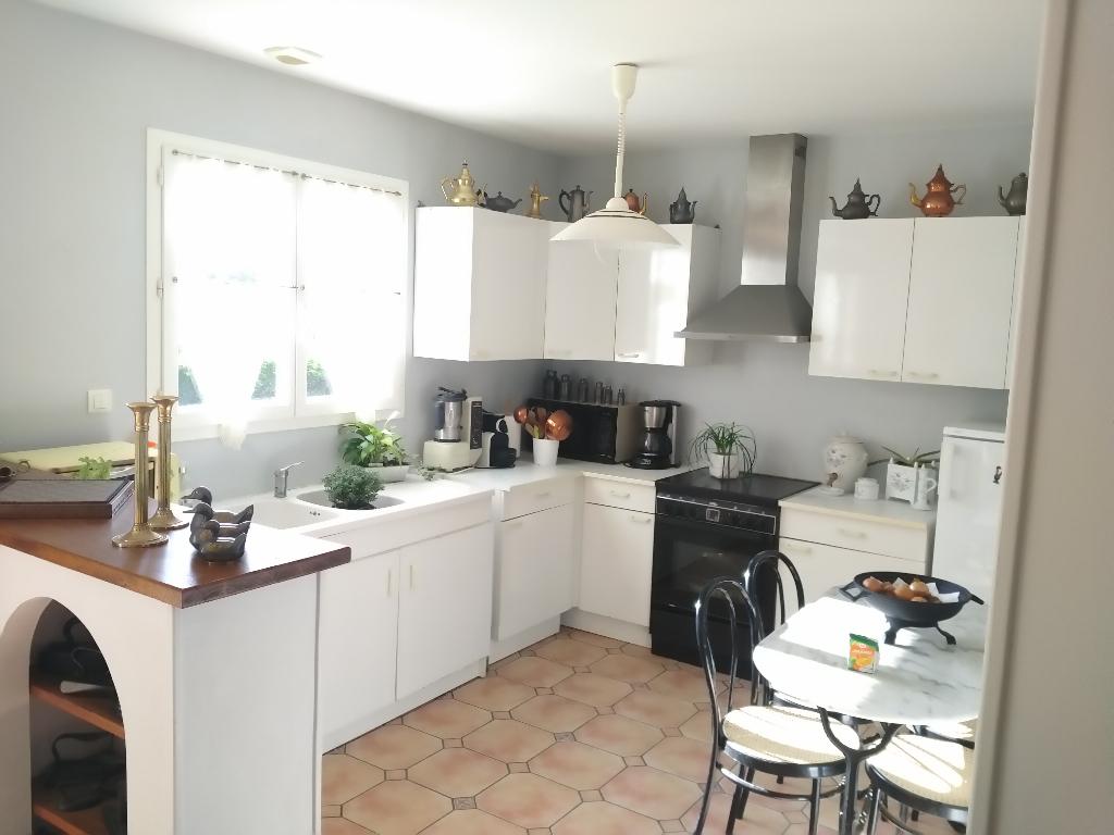 BELLE OPPORTUNITE Maison 10 min de Tonnay Charente 4 pièce(s) 92 m2