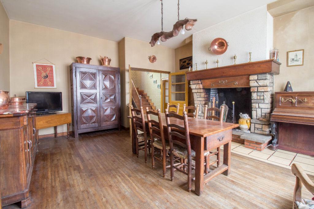 Maison Alban (81250) 13 pièce(s) 245 m2 + 80 m² à rénover, garage 70 m², cour intérieure, 6 chambres, gros potentiel