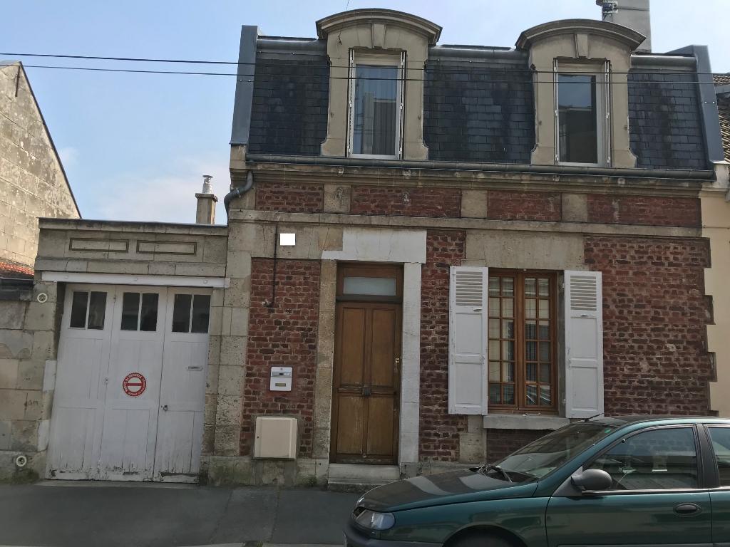 Maison de caractère 4 chambres 5 min du centre ville