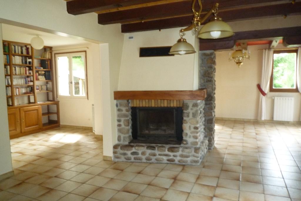 Maison Lanobre 7 pièce(s) 161 m2