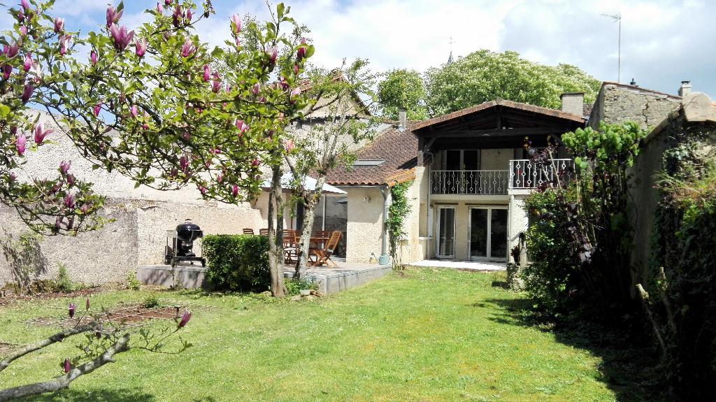 Maison Latille 5 pièce(s) 135 m2