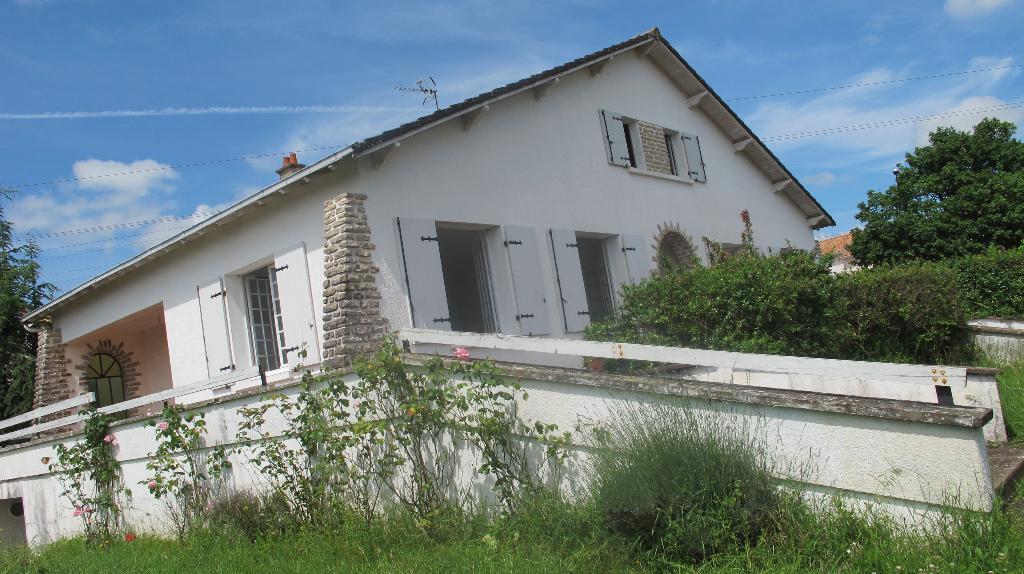 Maison Saint Maixent L Ecole 5 pièce(s) 106 m2