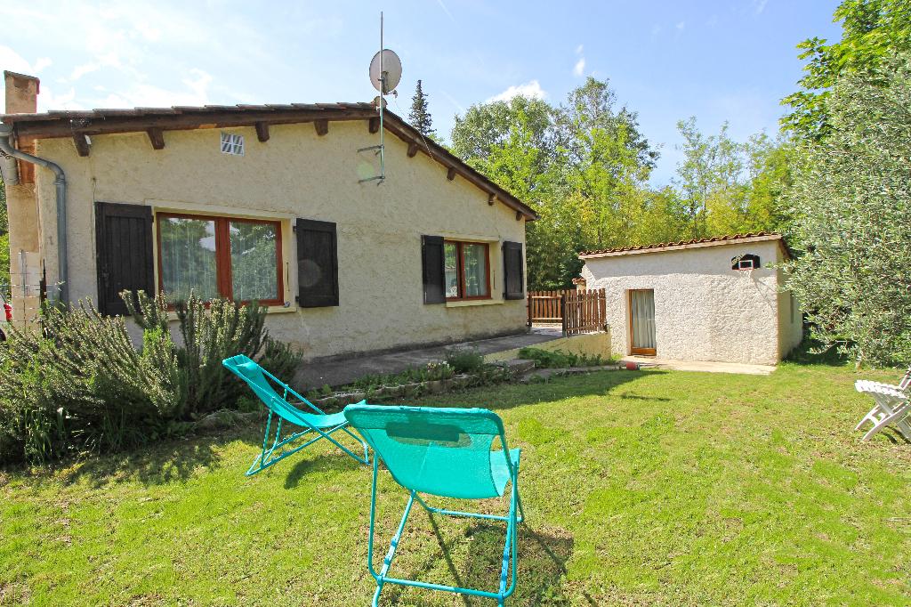 Maison plain-pied 2 chambres 78 m2 Estoublon (04270)