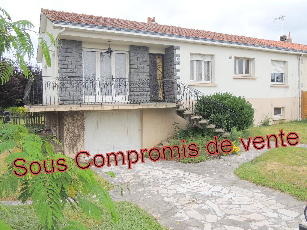 Maison Saint Laurent Sur Sevre 5 pièce(s) 103 m2