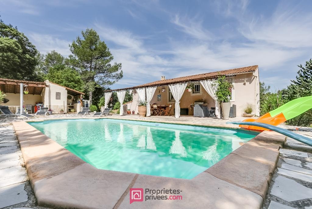 Villa 130 m² 6 pièces 4 ch. piscine garage parc 4800 m²