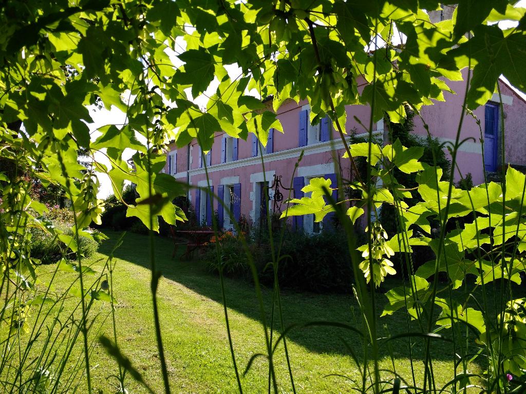 Grande Maison Charentaise atypique fin XIXe siècle  6 pièce(s) 183 m2 et son moulin