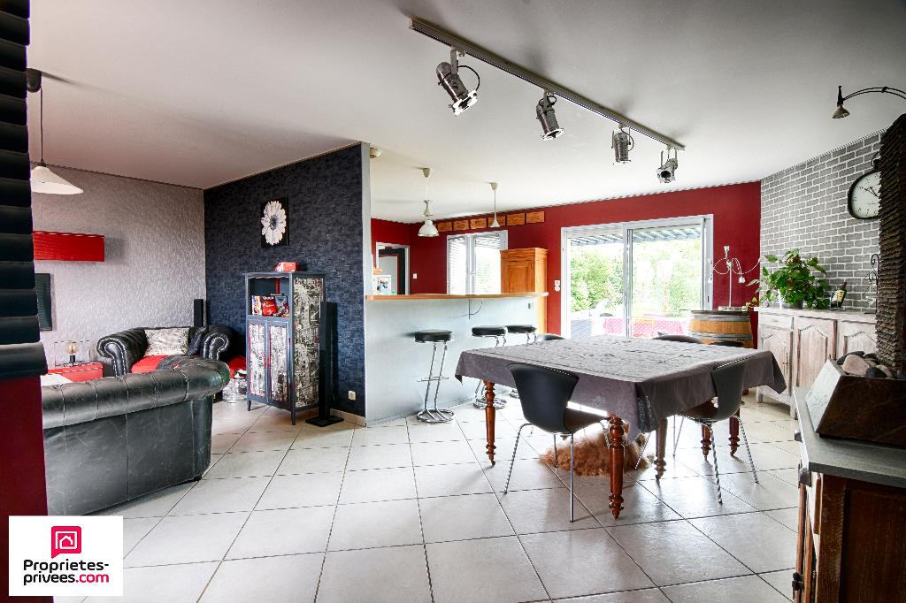 Maison Vendeuvre Du Poitou 6 pièce(s) 140 m2