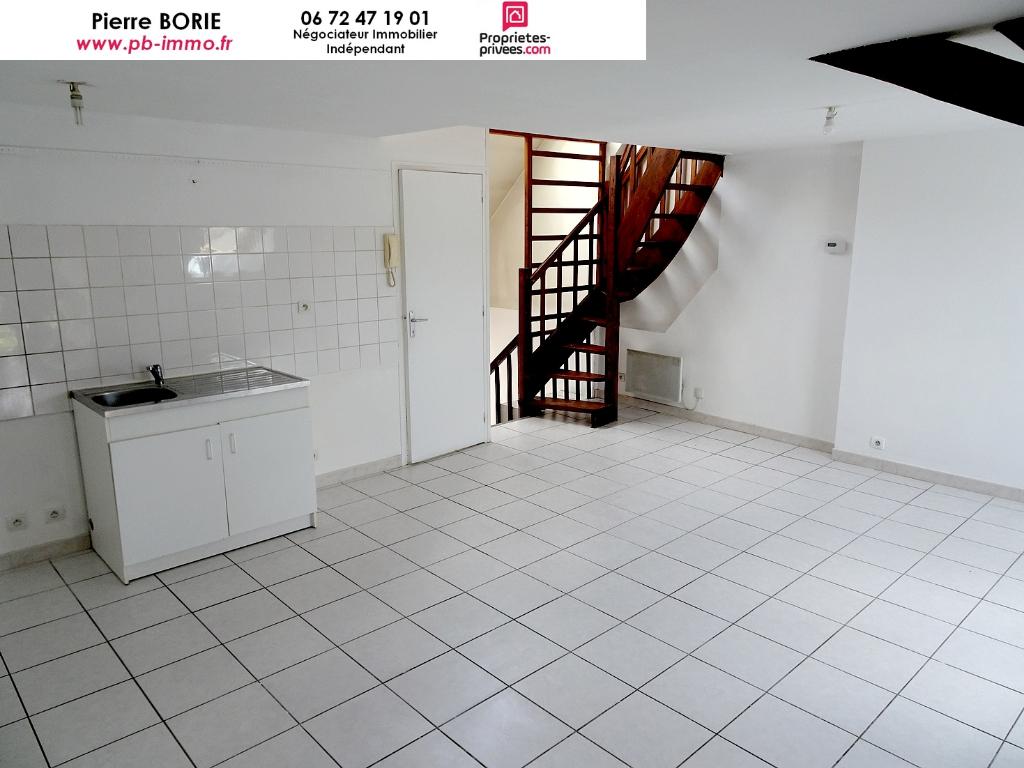Immeuble locatif Châteauroux , 3 Appartements et un garage, bon rendement