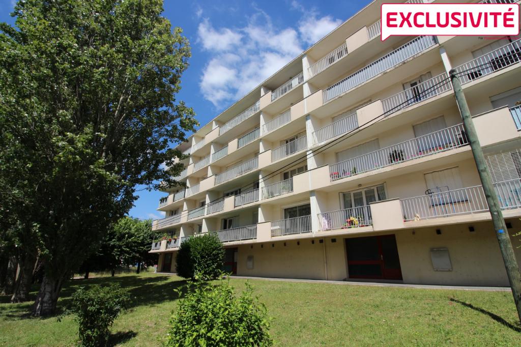 Appartement Saint Jean De La Ruelle 2 pièces avec balcon proche TRAM