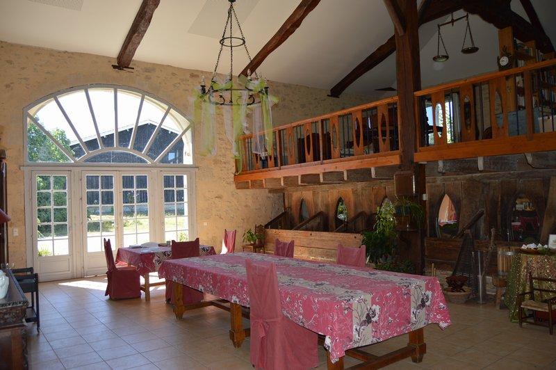 Maison 15 pièces dont 5 chambres d'hôtes - Appartement - Piscine