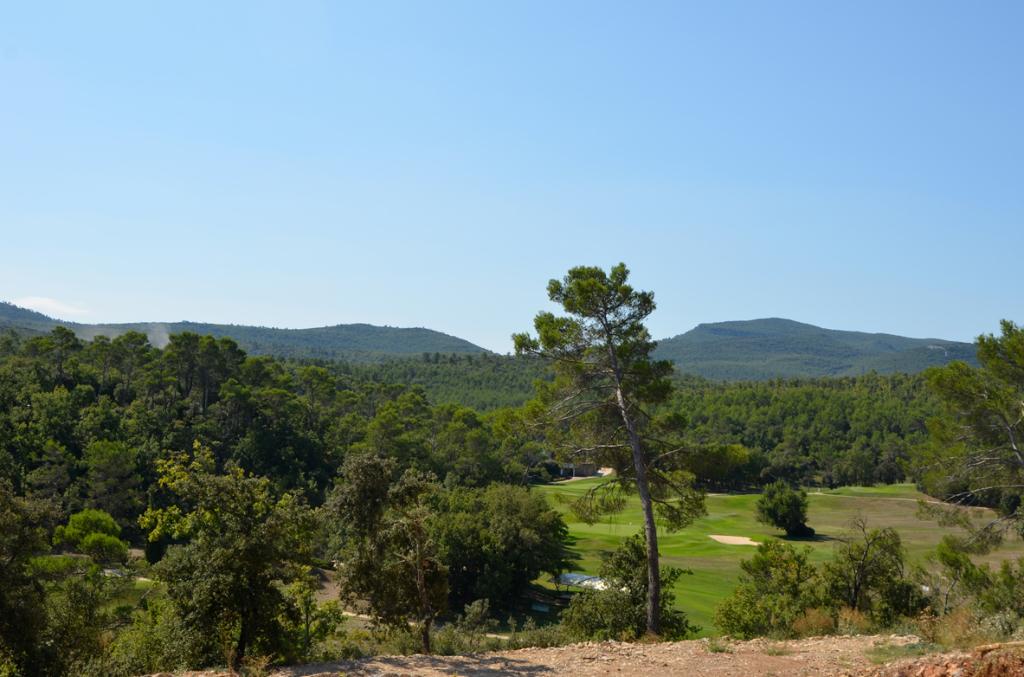 Terrain 2458m² Golf de Barbaroux 83 ,Flassans Sur Issole