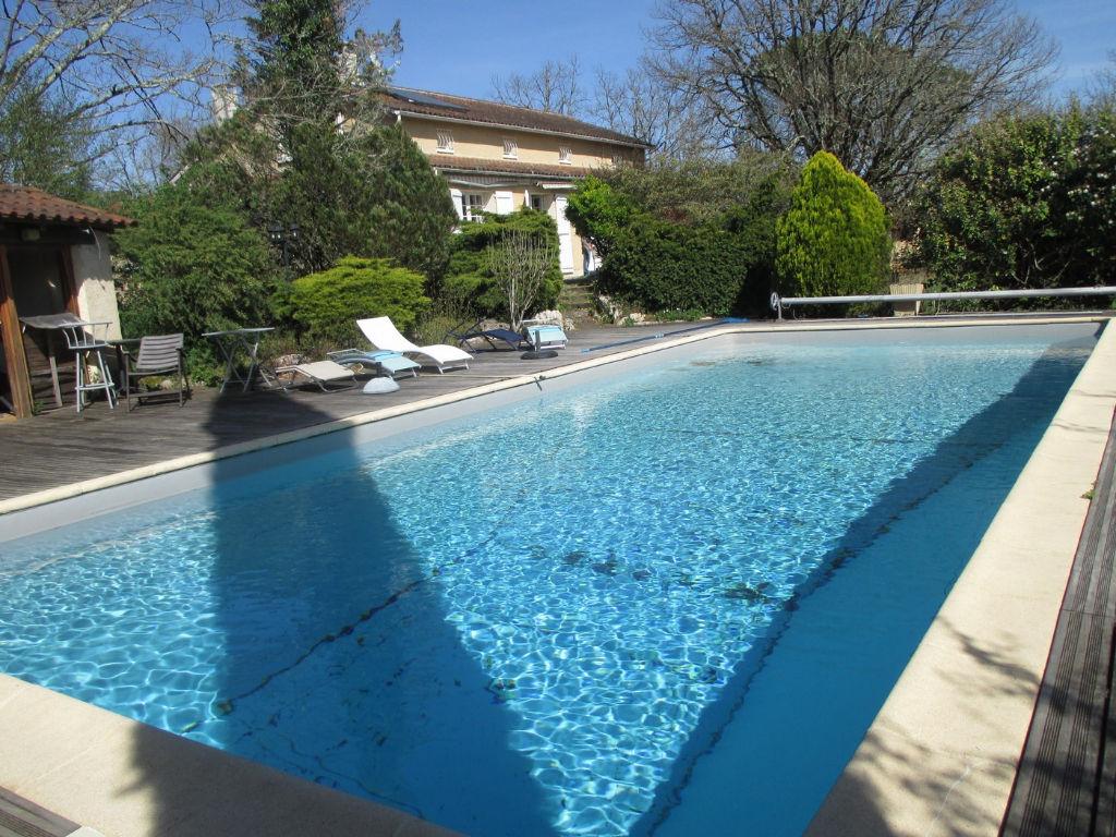 Villa avec piscine Cahors 9 pièce(s) 150 m2