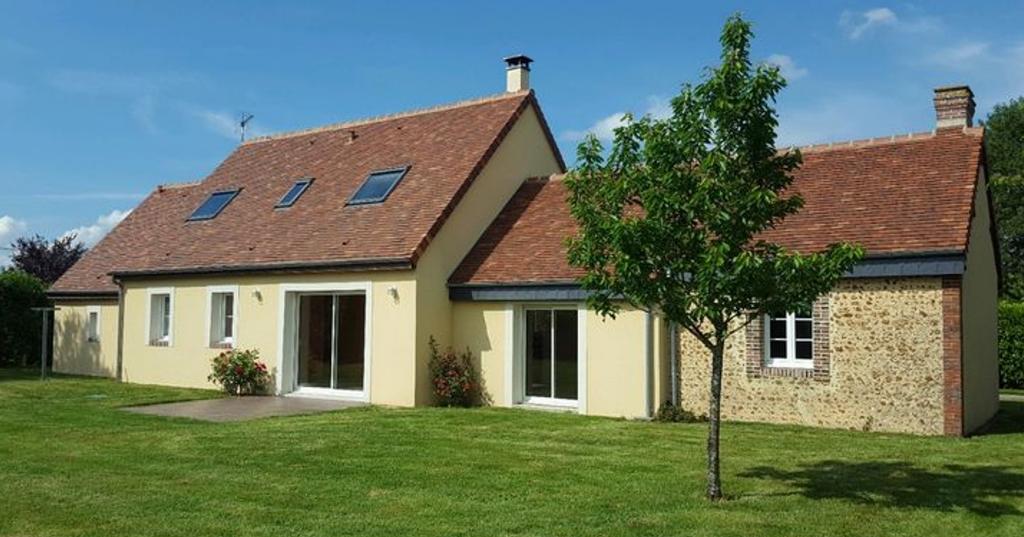 Maison  F6 de130 m2  RUEIL LA GADELIERE 187182
