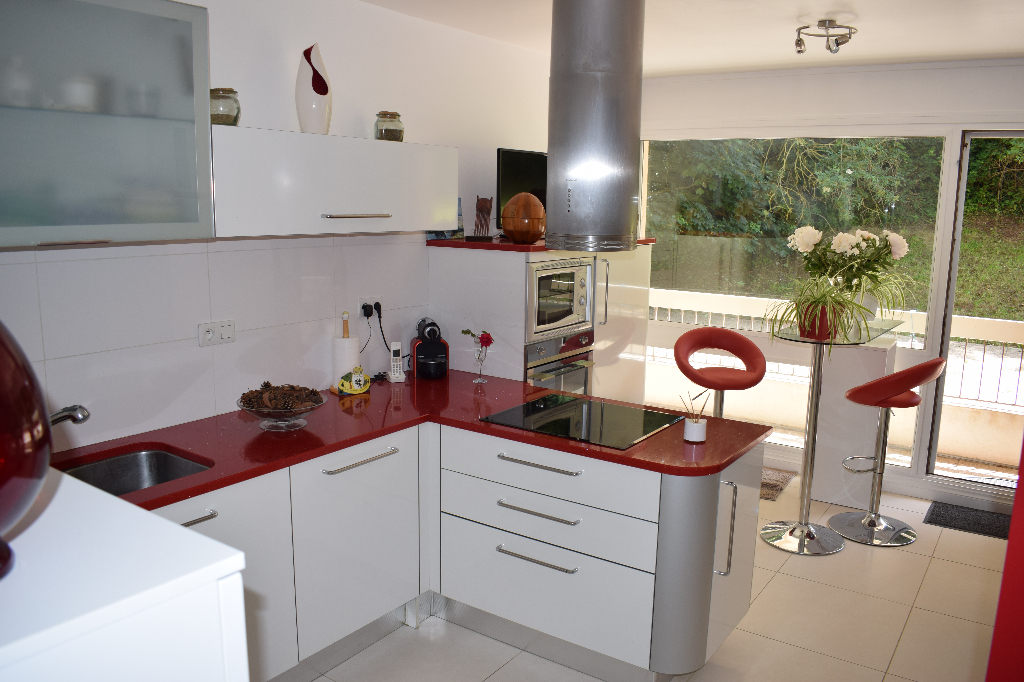 Appartement  4 pièce(s) 120 m2