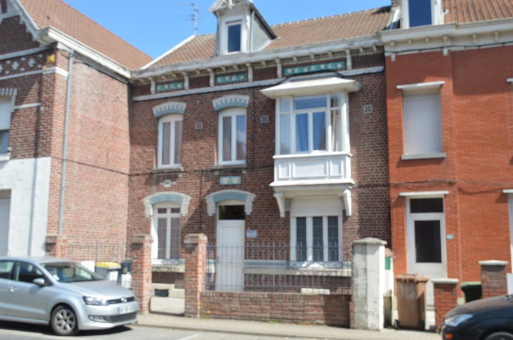 Maison Sin Le Noble 7 pièce(s) -4 ch (1 suite parentale)- 2 sdb