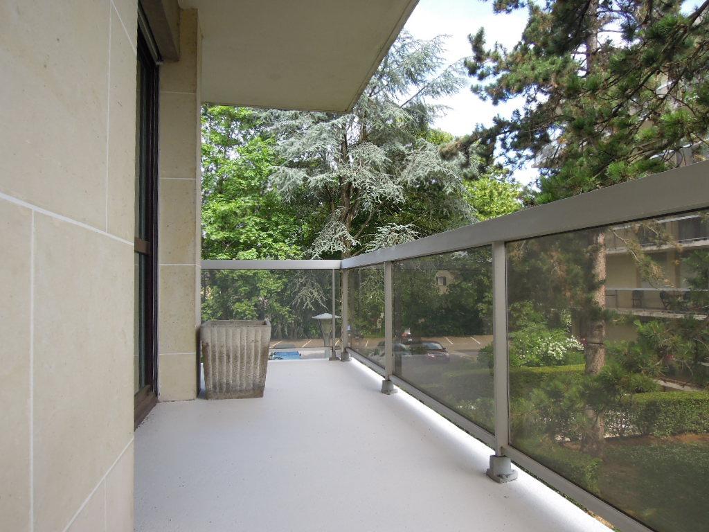 91800- BRUNOY- Appartement 2 pièces 51 m²