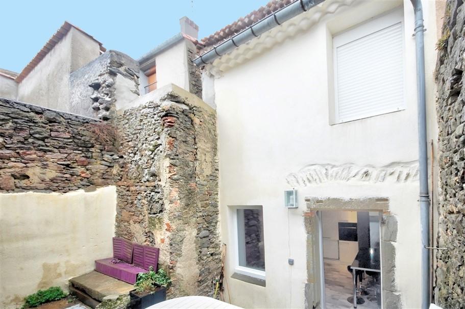 A vendre maison de village en pierre -114m2 avec cour
