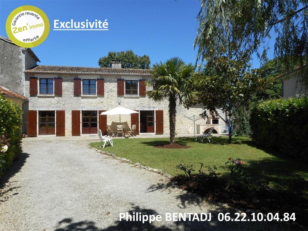 Maison de bourg 140 m2 avec 3 ch + garage