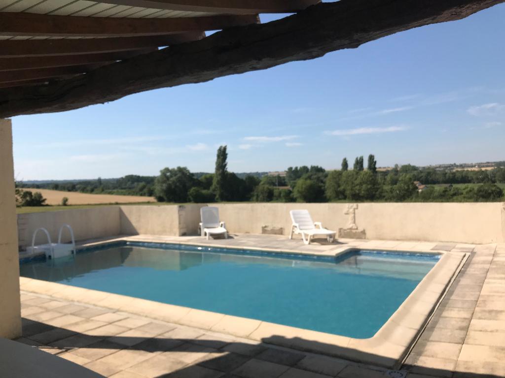 Maison Nanteuil 5 pièce(s) 146 m2