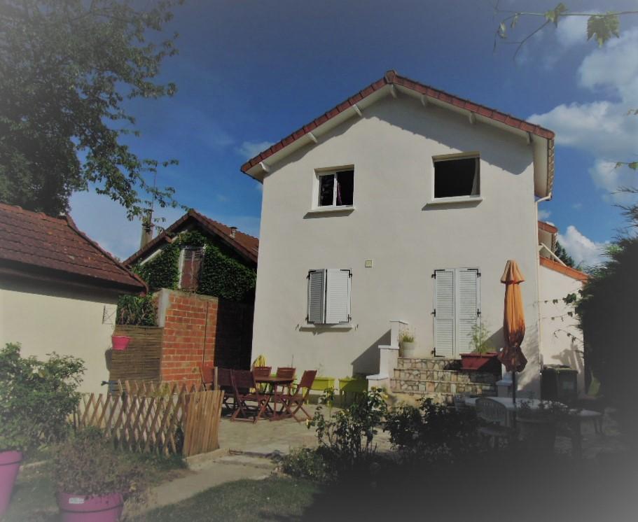 Maison  6 pièce(s) 130 m² env - 4 chambres -