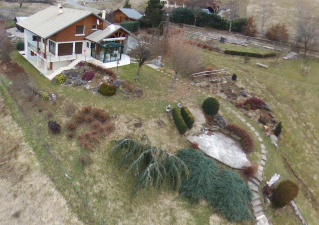 A 20mn Thonon/Evian Villa 7p avec vue dégagée et vaste terrain 6500m