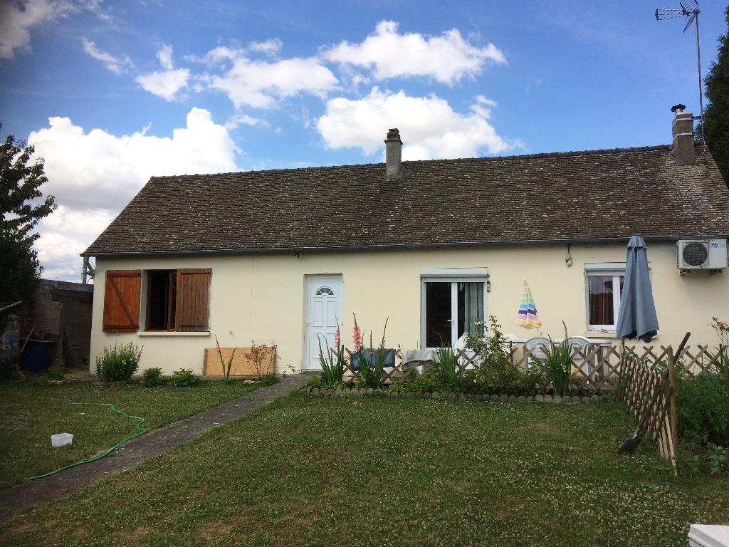 Maison  86 m² avec jardin de 550 m² en centre ville d'Etrépagny
