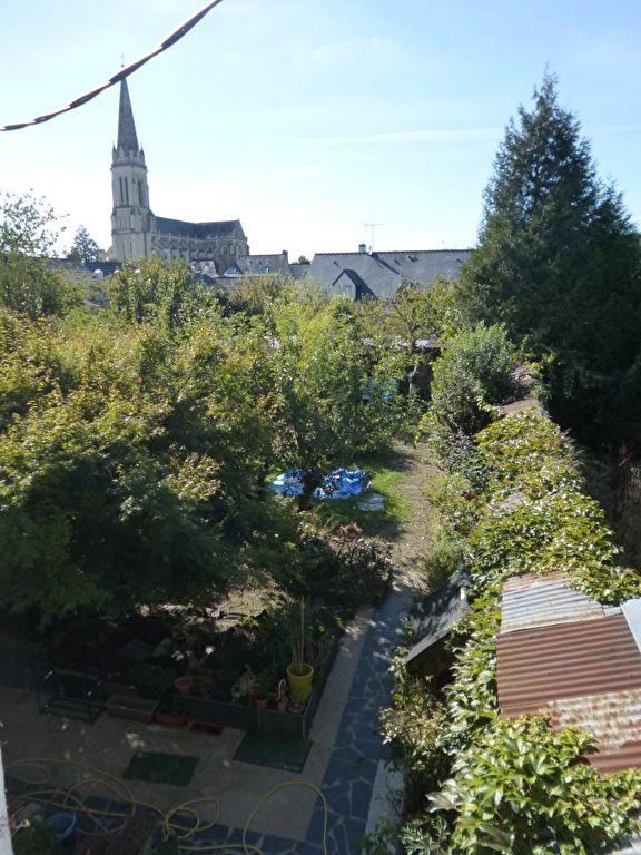 Maison Chateau Gontier 9 pièce(s) 235 m2