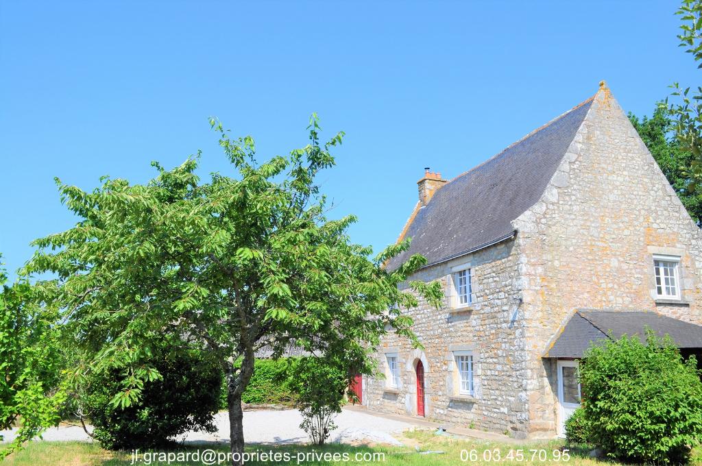 Magnifique Maison en Pierres avec tour construite en 1540 - Theix 56450