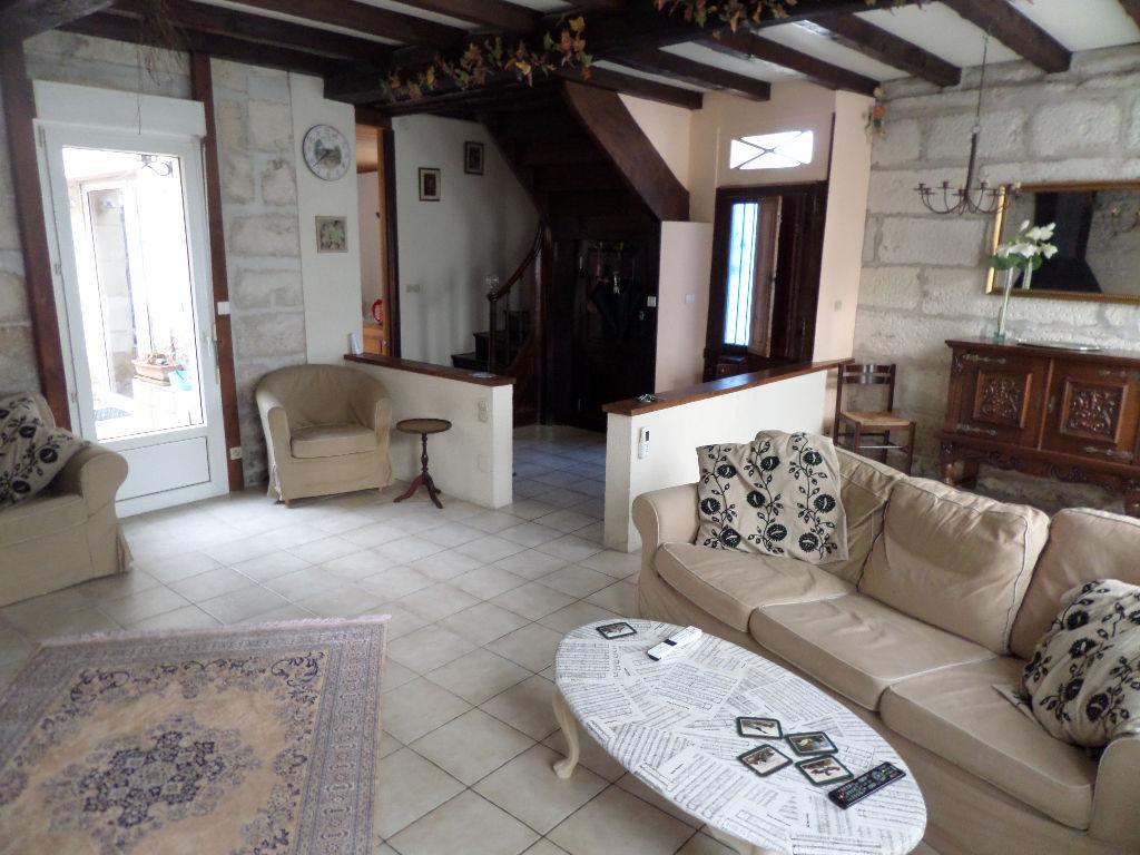 Maison Saintes 5 pièce(s) 115 m2