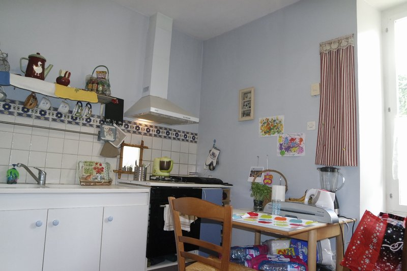 vente maison 80 m bourges 18000. Black Bedroom Furniture Sets. Home Design Ideas