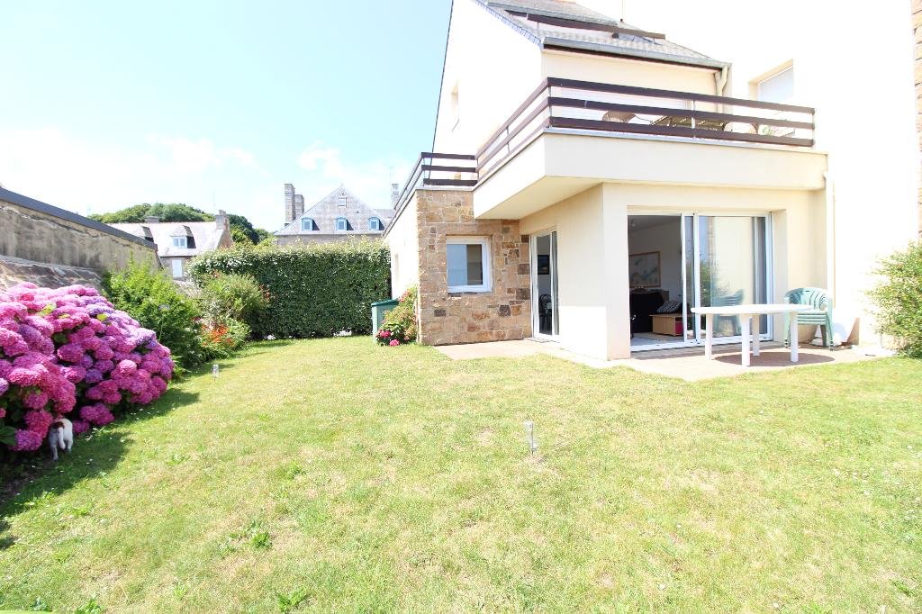 Appartement  rez de jardin  splendide vue mer Perros Guirec 2 pièce(s) 46 m2  + Chambre cabine 8.10M²